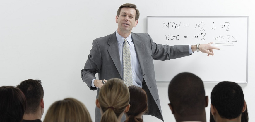 Read more about the article Creating To Giving Great Presentations: Hear From 10 Experts